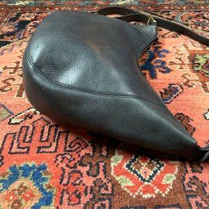 Hunt Club Bags - VTG Hunt Club Leather Hobo Bag